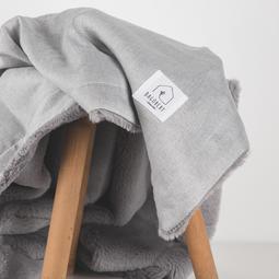 Couverture grise argentée